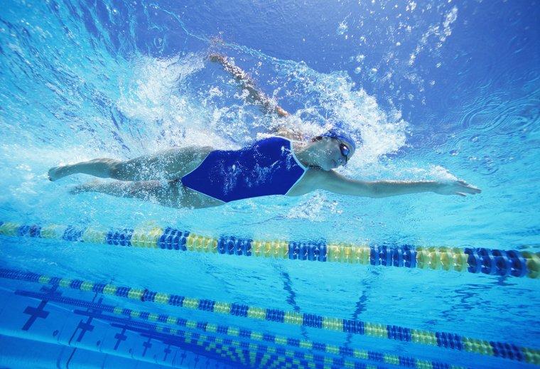 a3c53635ac2e6e6f_Girl-Swimming.xxxlarge_2x.jpg